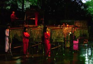 Sang Angklung Udjo