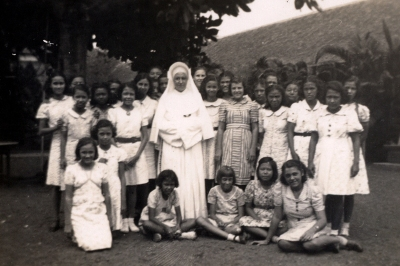 1930s Nun Laurentia with Class