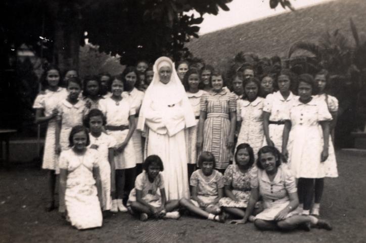 1930s Nun Laurentia with Class