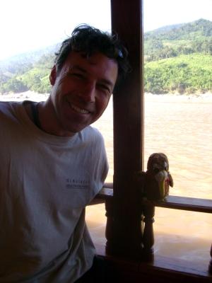 Traveling Kiwi at Mekong River