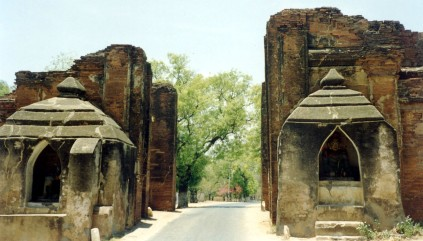 Gateway to Bagan
