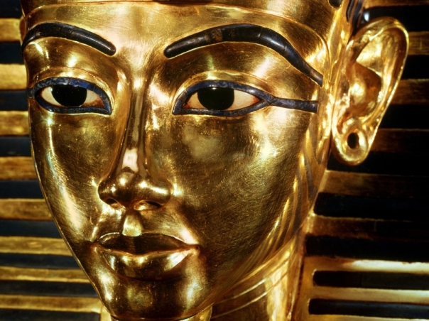 1 Face of Cairo Funeral_Mask_of_Tutankhamen